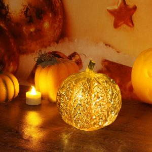 25 Best Fall Activities in Massachusetts - Decorating your home for fall